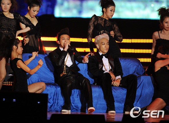 https://bigbanglife.files.wordpress.com/2010/11/bigbang-at-mama-2010-5.jpg?w=592